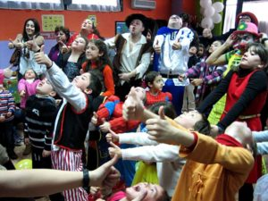 Animadores magos payasos para comuniones en madrid