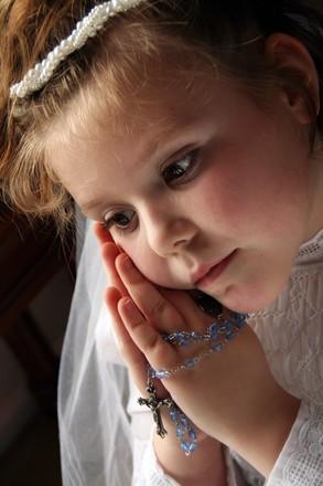 Cómo entretener a niños de diferentes edades en una comunión