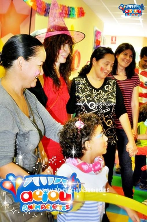 Animadores, magos y payasos infantiles en Arenas de San Pedro